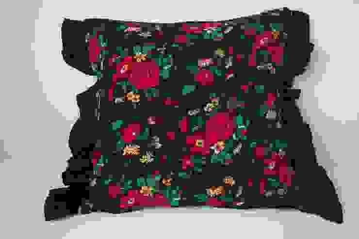 Poduszka dekoracyjna w stylu góralskim od Styl i Wnętrze Eklektyczny Bawełna Czerwony