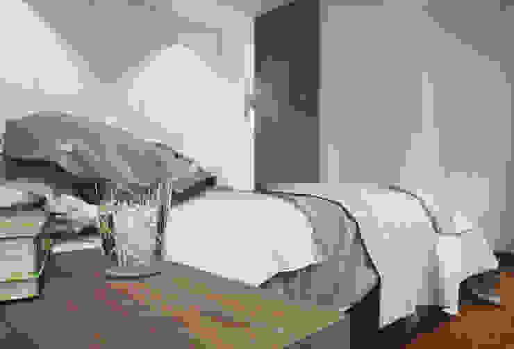 Apartamento em Trandeiras, Braga Quartos minimalistas por ASVS Arquitectos Associados Minimalista