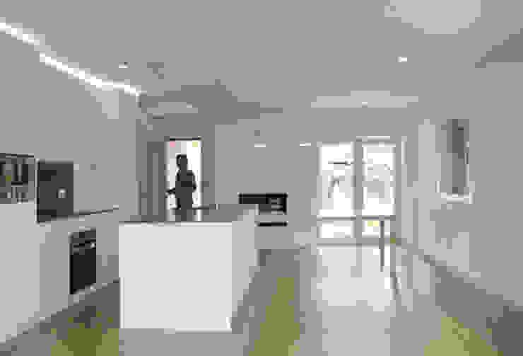 Apartamento em Trandeiras, Braga Salas de jantar minimalistas por ASVS Arquitectos Associados Minimalista