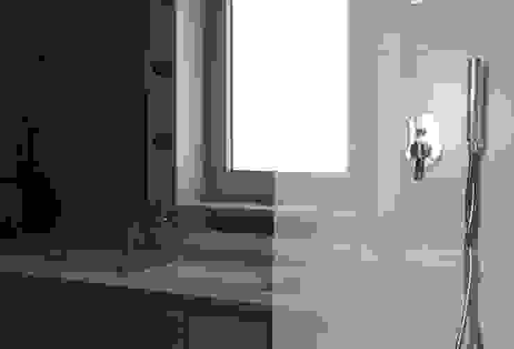 Apartamento em Trandeiras, Braga Casas de banho minimalistas por ASVS Arquitectos Associados Minimalista