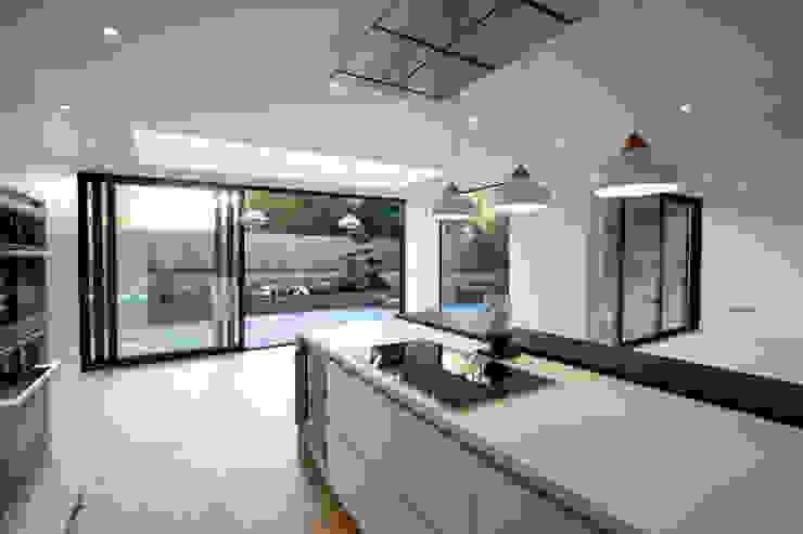 Beechcroft Modern Windows and Doors by IQ Glass UK Modern