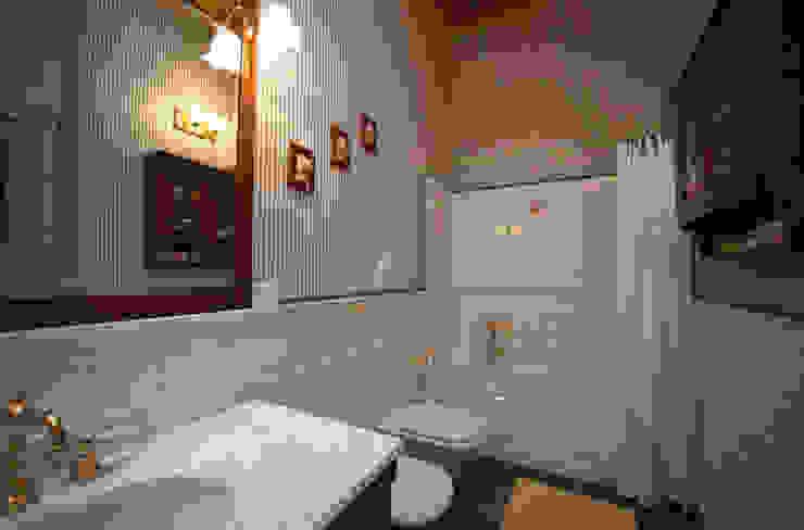 Ristrutturazione Villa a verona STEFANIA ARREDA Bagno in stile classico