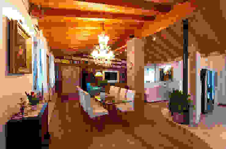 Ristrutturazione Villa a verona Sala da pranzo in stile classico di STEFANIA ARREDA Classico