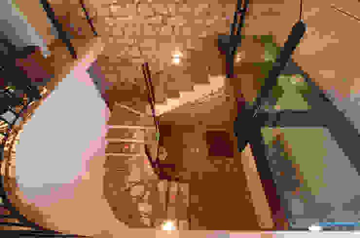 Ristrutturazione Villa a verona Ingresso, Corridoio & Scale in stile classico di STEFANIA ARREDA Classico
