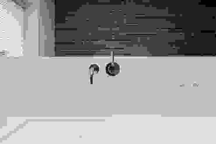 House WR Niko Wauters architecten bvba Ванна кімната