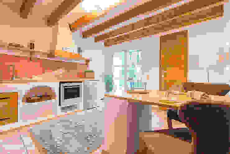 Küche im Ibiza-Style nach dem Home Staging von Immotionelles