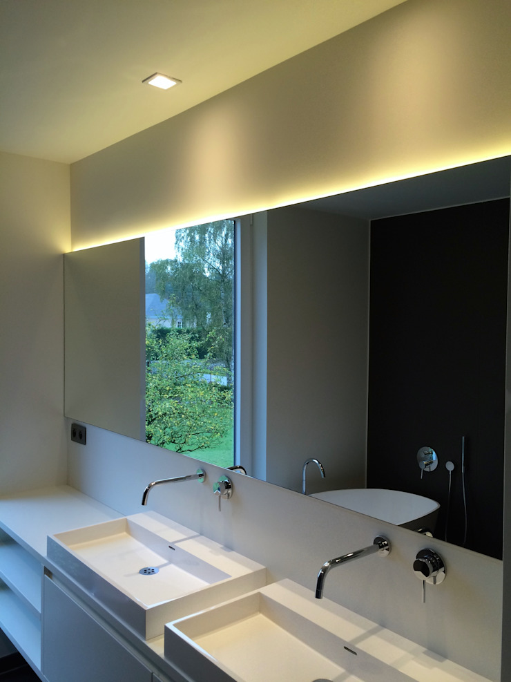 house JV-K Niko Wauters architecten bvba Minimalist style bathroom