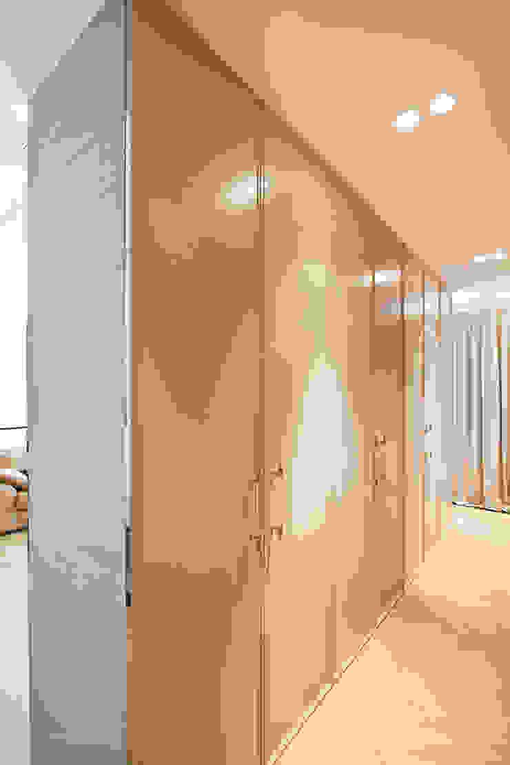 Projekt Apartamentu Klasyczna garderoba od Katarzyna Kraszewska Architektura Wnętrz Klasyczny