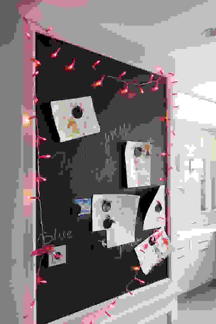 Szaro biały apartament na Powiślu Klasyczna kuchnia od Katarzyna Kraszewska Architektura Wnętrz Klasyczny
