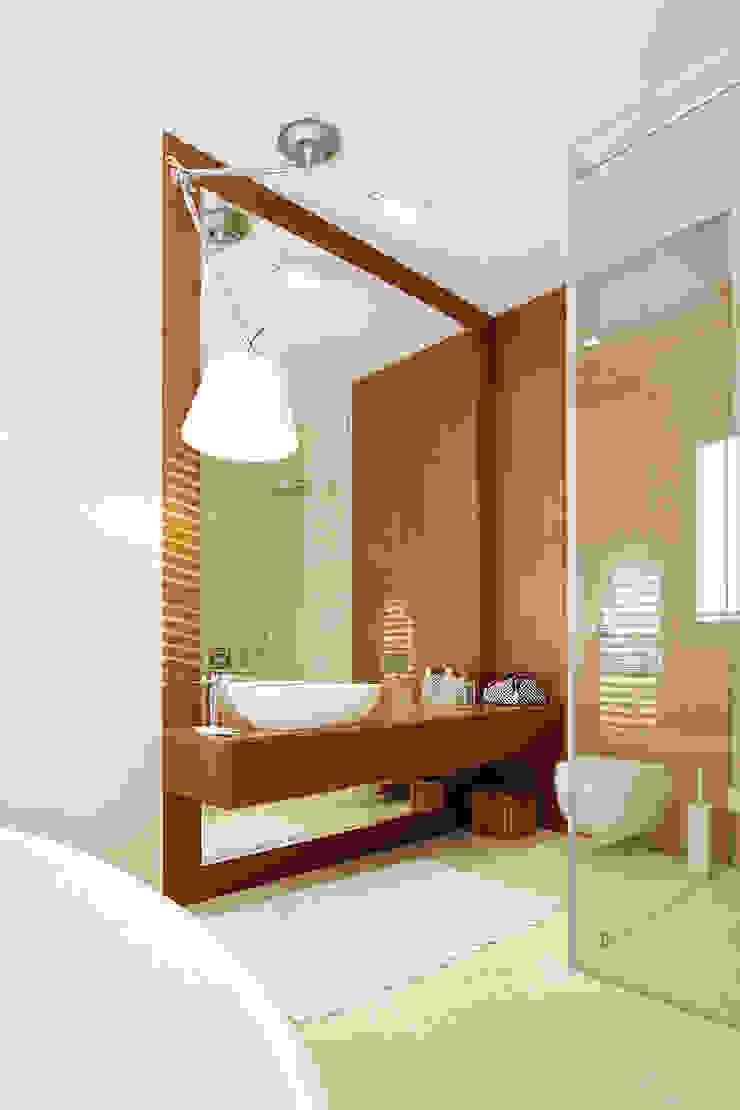 Mieszkanie dwopoziomowe Eko Park Klasyczna łazienka od Katarzyna Kraszewska Architektura Wnętrz Klasyczny