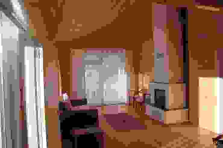 Country style living room by Kuloğlu Orman Ürünleri Country