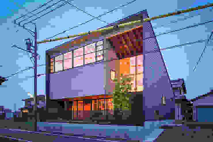 Maisons de style  par nobuyoshi hayashi,