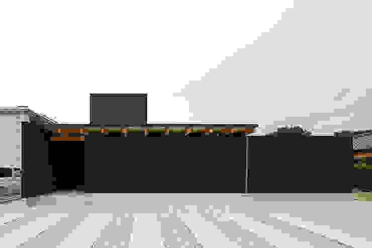 外観 モダンな 家 の 空間建築-傳 モダン 金属