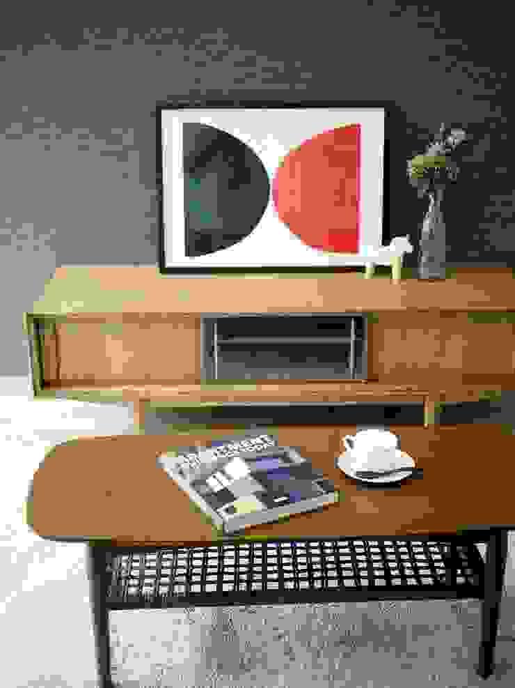 『 デザイナーズハウス な すまい 』:  Live Sumai - アズ・コンストラクション -が手掛けた現代のです。,モダン 木 木目調