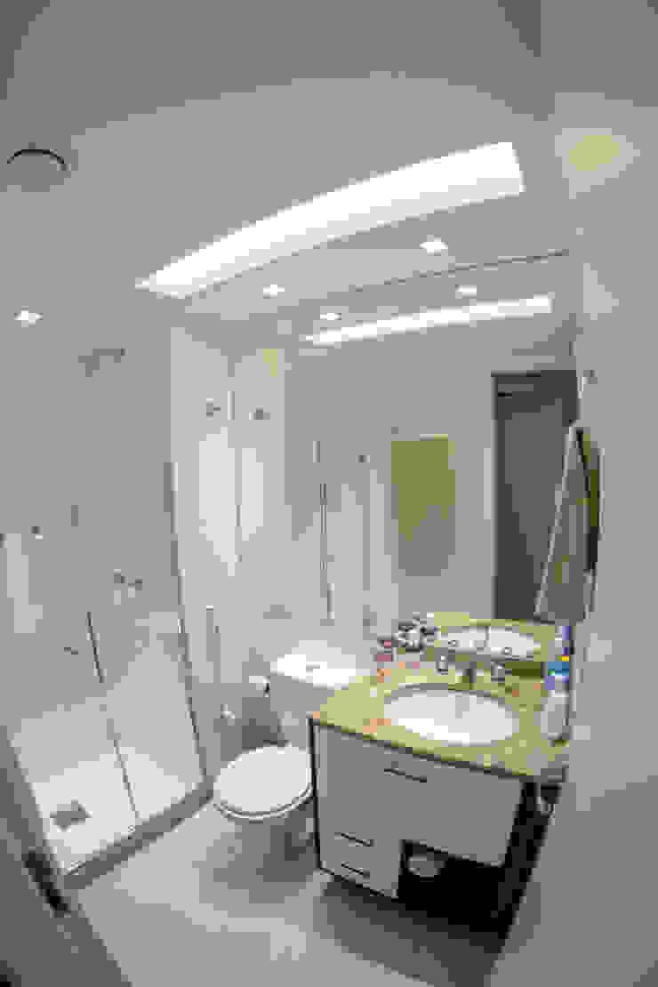 Millena Miranda Arquitetura Baños de estilo moderno Vidrio