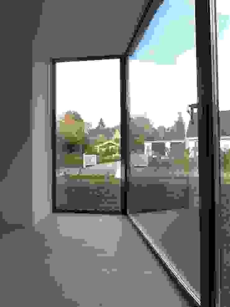 by ir. G. van der Veen Architect BNA Modern