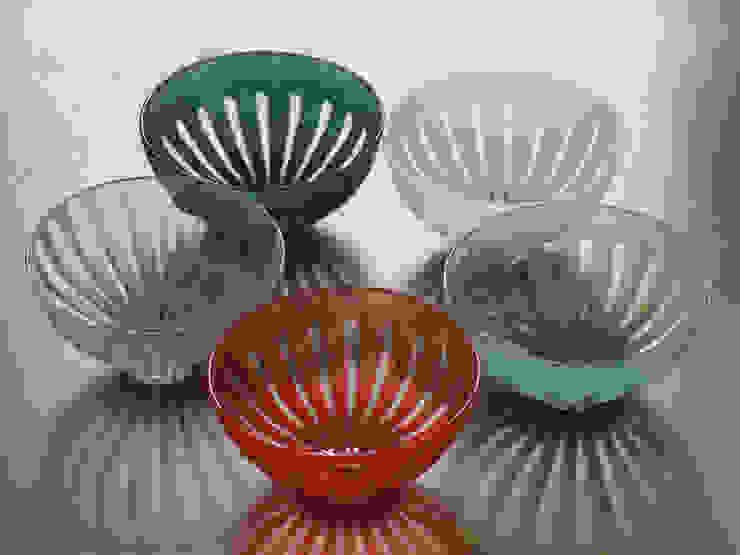 ren ボウル: ヒロイグラススタジオが手掛けた現代のです。,モダン ガラス