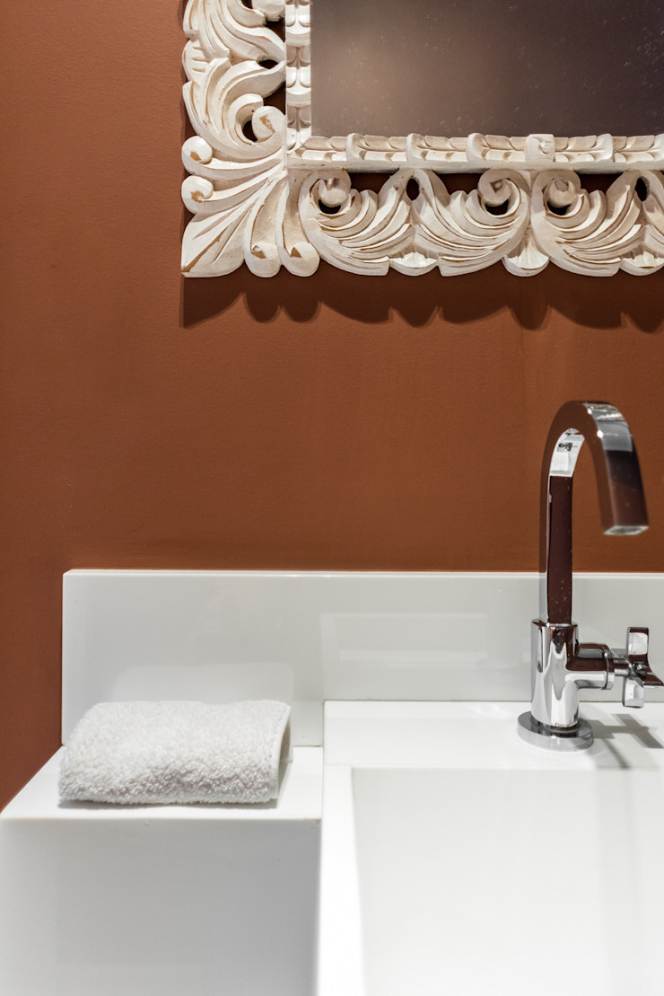 Cores Lovers Classic style bathroom Red