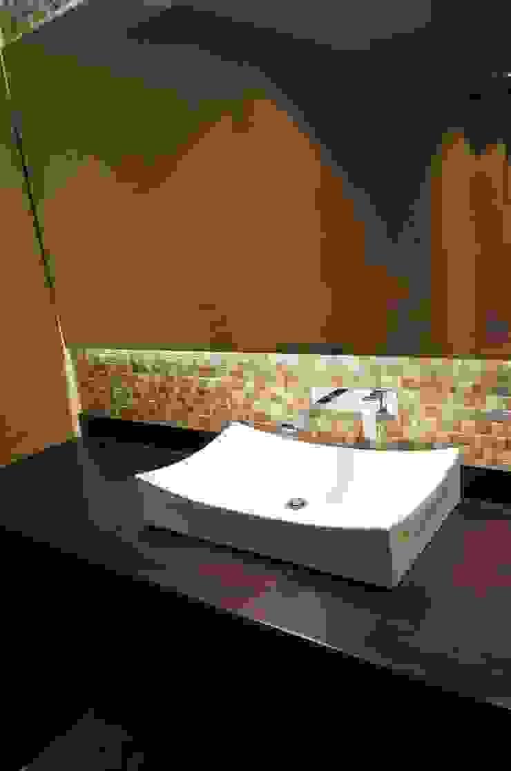 Baño Huéspedes Baños de estilo clásico de MARECO DESIGN S.A.S Clásico