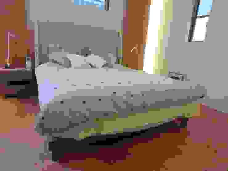 Doble -size Bed: (株)工房スタンリーズが手掛けた現代のです。,モダン 無垢材 多色