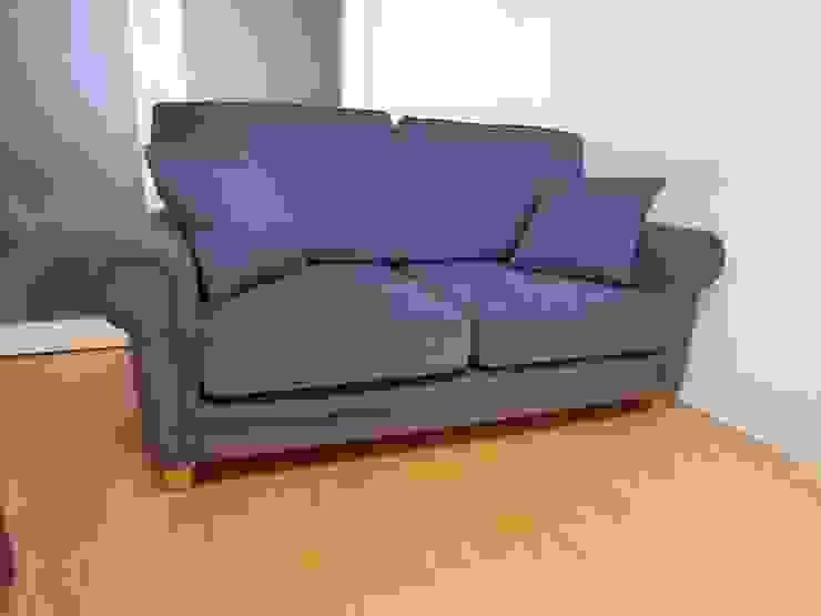 Barbara 2 seater: (株)工房スタンリーズが手掛けた折衷的なです。,オリジナル 綿 赤色