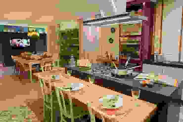 Cozinha e Jantar do Chef - Mostra Morar Mais Vitoria 2014 Cozinhas modernas por Lorrayne Zucolotto Arquitetura Moderno