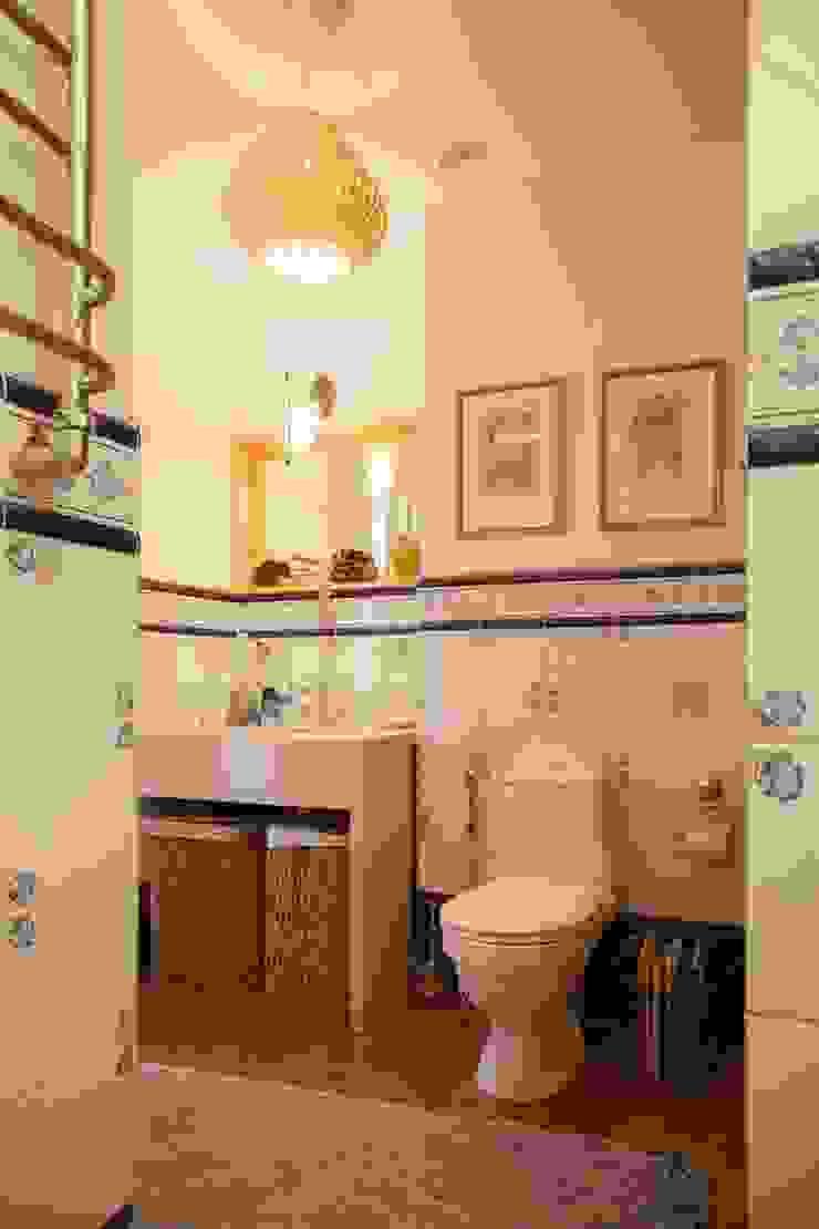 Дизайн квартиры в скандинавском стиле Ванная комната в скандинавском стиле от Mebius Group Скандинавский
