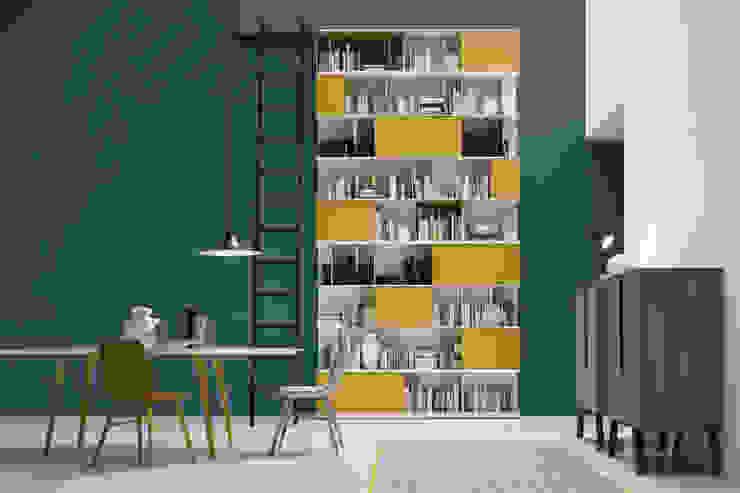 Hohes Bücherregal mit Leiter: modern  von Livarea,Modern