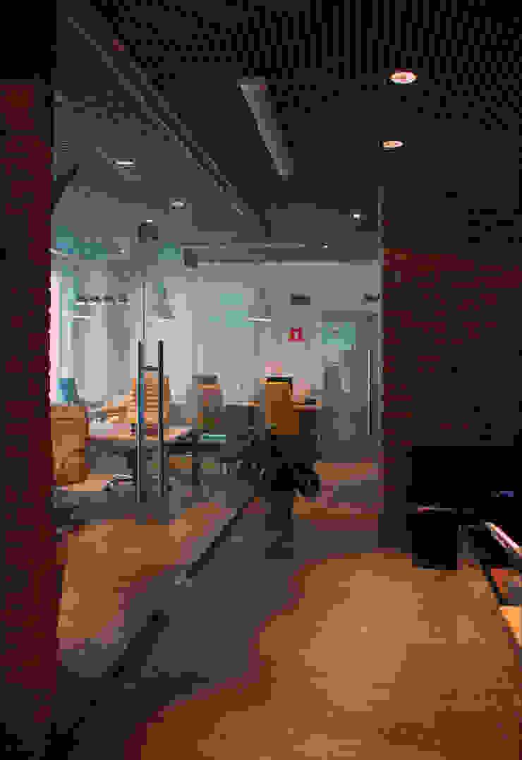 Офис на Кутузовском Офисы и магазины в стиле лофт от Дизайн-студия «ARTof3L» Лофт