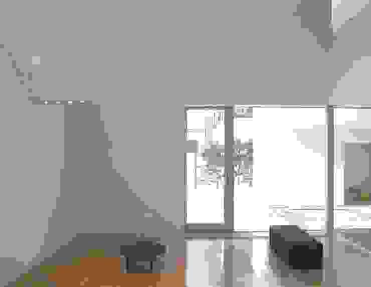 恵庭の住宅 北欧スタイル 窓&ドア の 工藤智央建築研究所 北欧 木 木目調