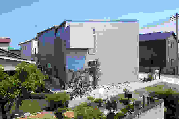 HOUSE S モダンな 家 の アーキライン一級建築士事務所 モダン