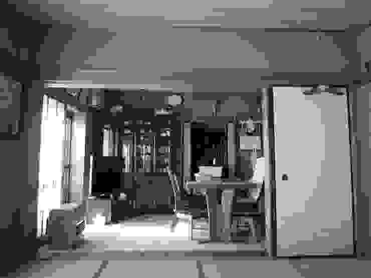光と空気の改修 モダンデザインの リビング の 株式会社相田土居設計 モダン