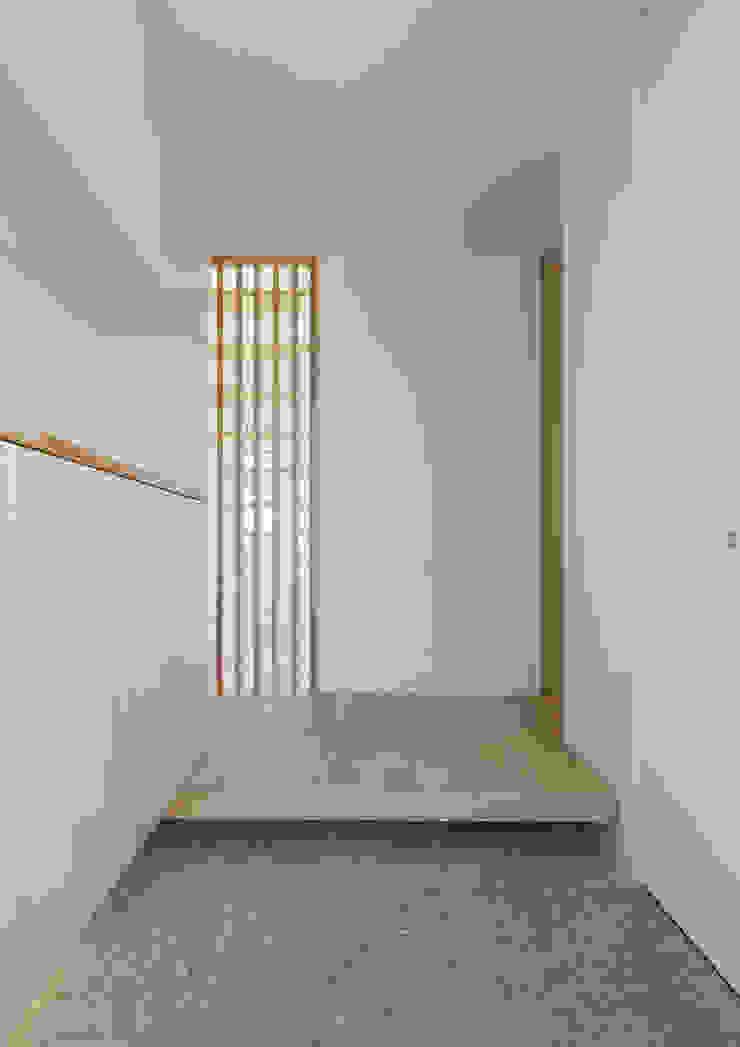 ちはら台の家 モダンスタイルの 玄関&廊下&階段 の アトリエ24一級建築士事務所 モダン