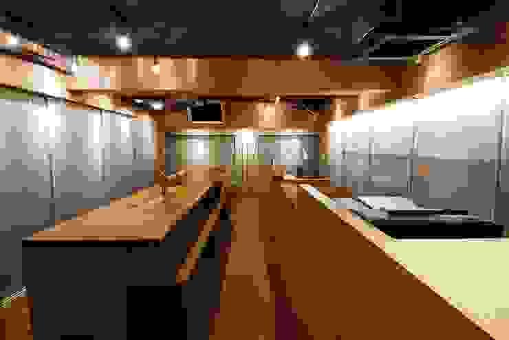 オフィス+キッチン ミニマルデザインの 書斎 の ミズタニ デザイン スタジオ ミニマル