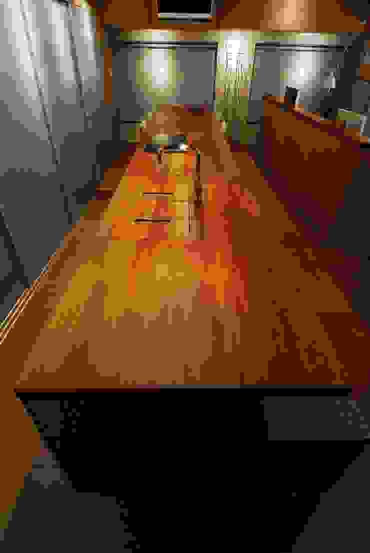 キッチン ミニマルデザインの キッチン の ミズタニ デザイン スタジオ ミニマル 木 木目調
