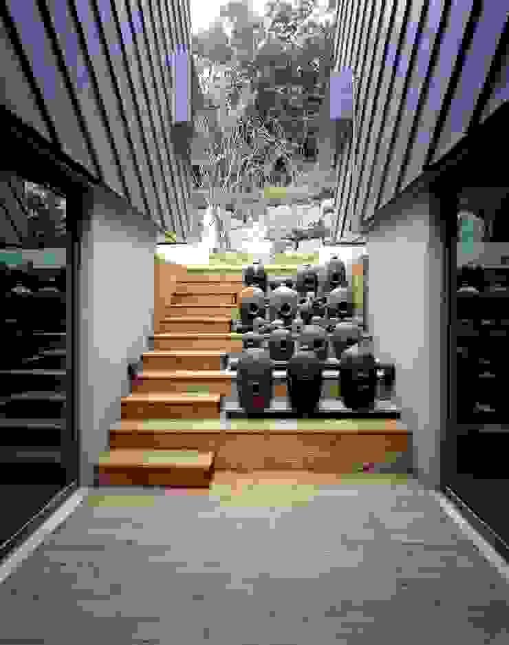 세자매 하우스 모던스타일 발코니, 베란다 & 테라스 by 예공건축 모던