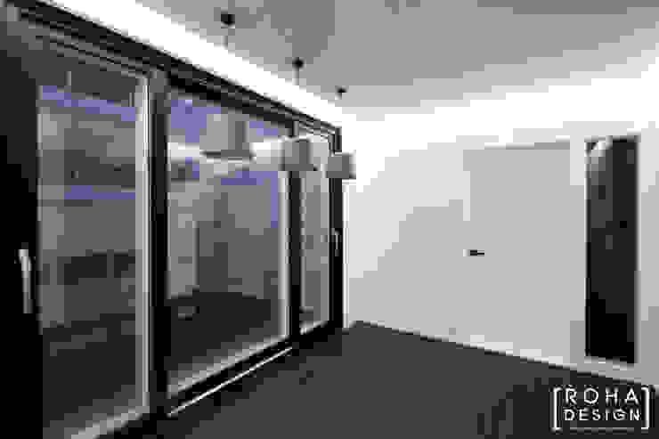 부산 사하구 당리동 주택 인테리어 디자인 모던스타일 발코니, 베란다 & 테라스 by 로하디자인 모던