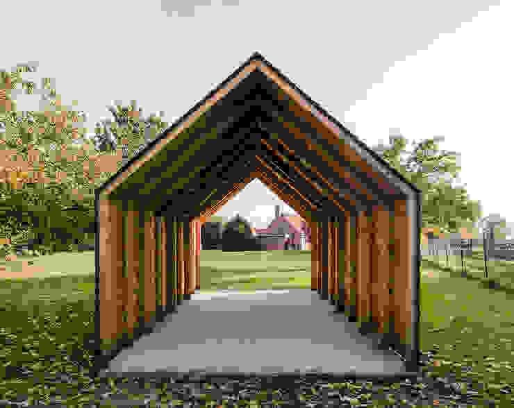 Garage/shed by JAN RÖSLER ARCHITEKTEN,