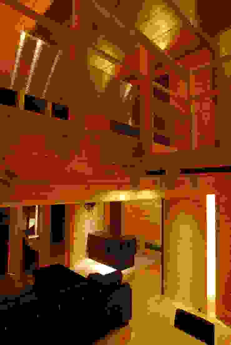 宮川邸 北欧スタイルの 玄関&廊下&階段 の ミズタニ デザイン スタジオ 北欧 木 木目調