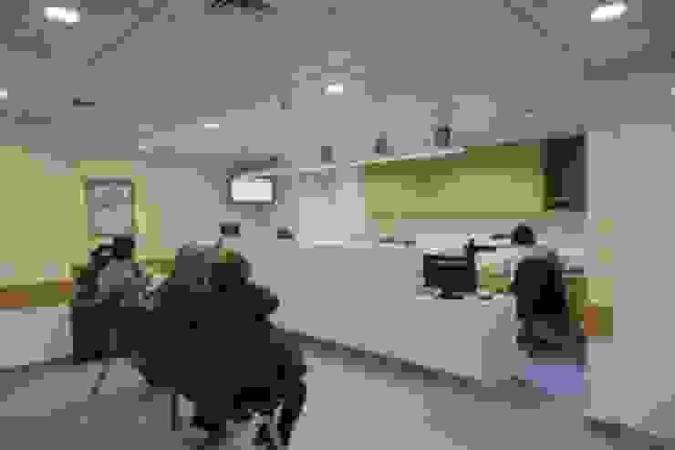 Hospital CUF Descobertas Hospitais modernos por Aura Light Moderno