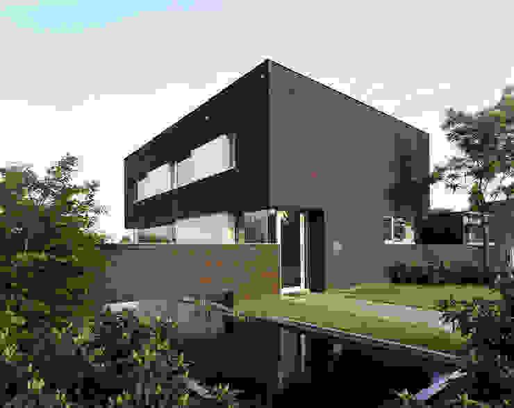 Casas estilo moderno: ideas, arquitectura e imágenes de Engelman Architecten BV Moderno