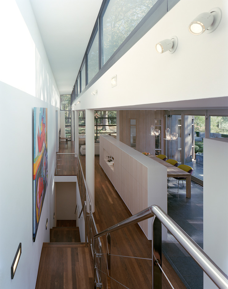 por Engelman Architecten BV Moderno