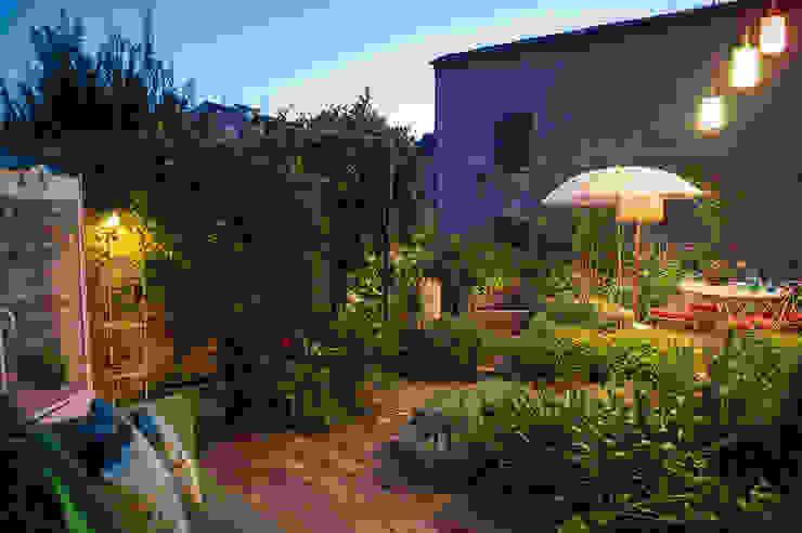 Moderner Garten von Giardini Giordani Modern Ziegel