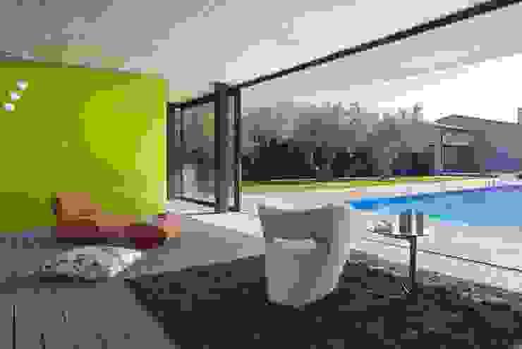 ruiz narvaiza associats sl Modern pool
