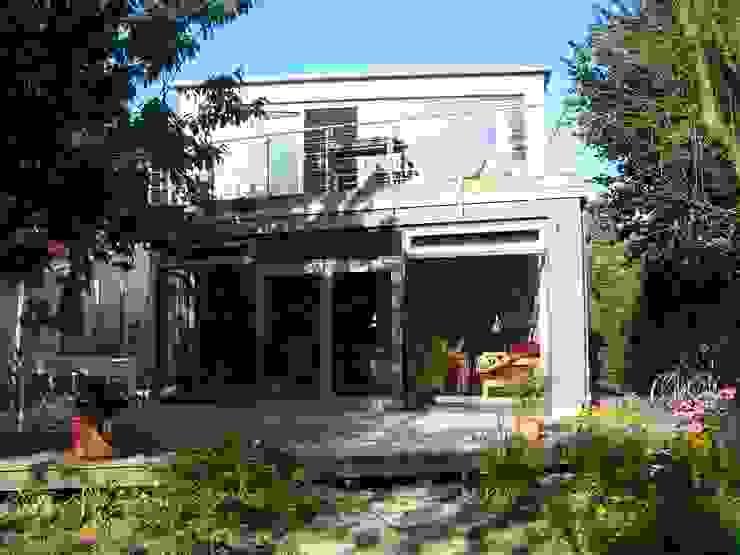 現代房屋設計點子、靈感 & 圖片 根據 buttler architekten 現代風 玻璃