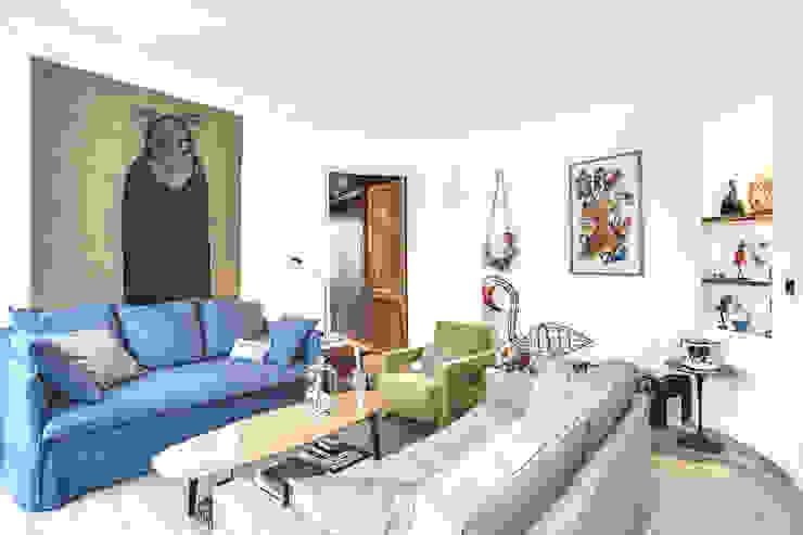 Salas de estar modernas por cristina velani Moderno