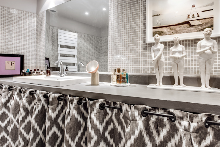 cristina velani Eclectic style bathrooms