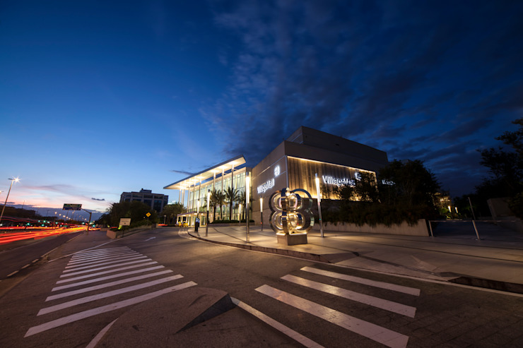 Village Mall Shopping Centers ecléticos por Ricardo Wolf Eclético