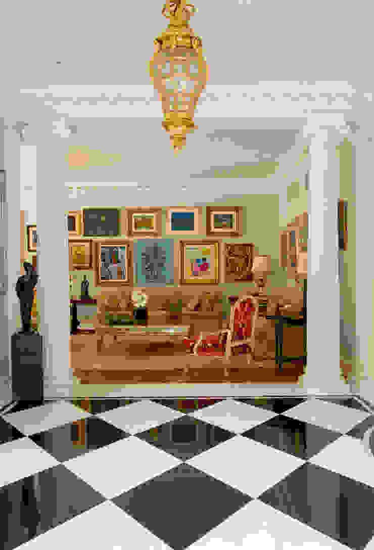 Salon classique par Allan Malouf Arquitetura e Interiores Classique