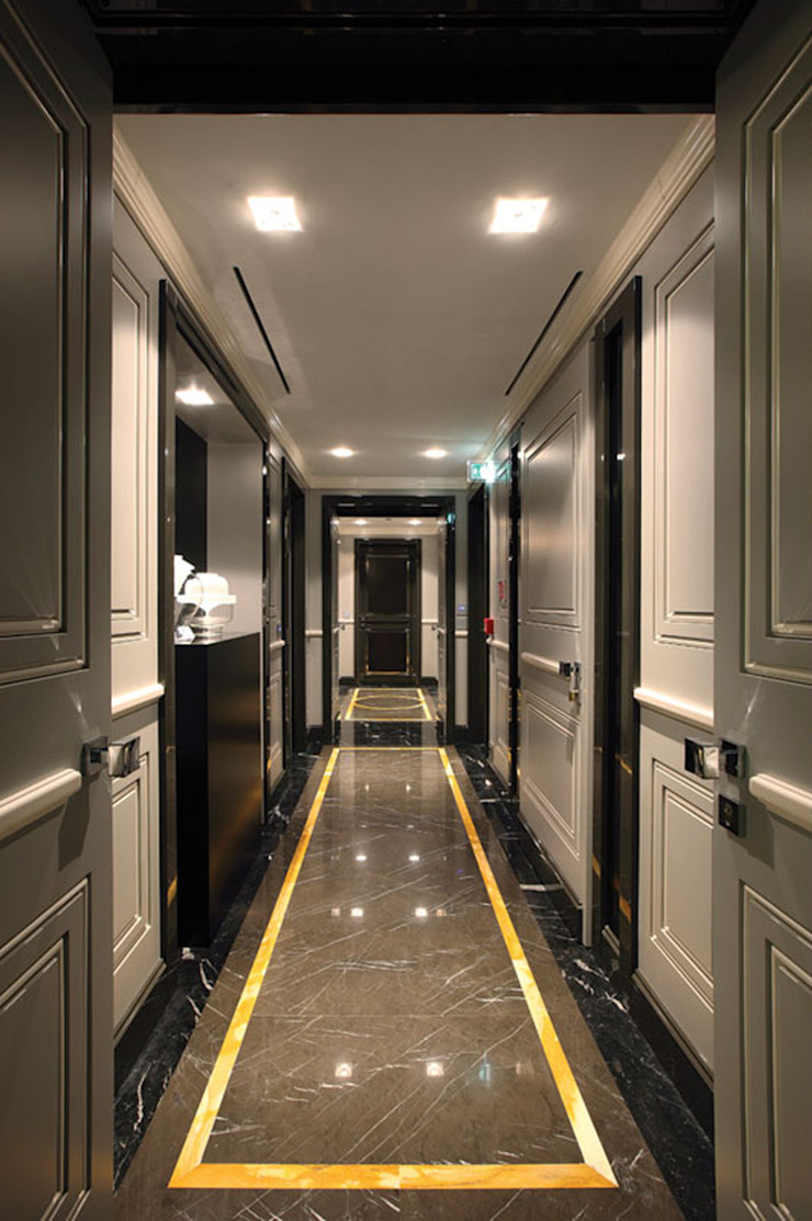 Progetto Modern Corridor, Hallway and Staircase by Spagnulo & Partners Modern